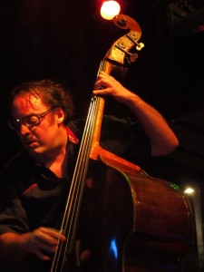Angel Parra trio