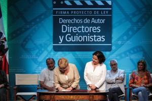 FIRMA PROYECTO LEY_ACTORES_GUIONISTAS-11
